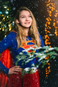 Kerstshoot met kita_cosplay als Supergirl